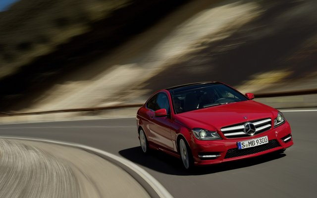 2011_C204_C-Class-Coupe_01