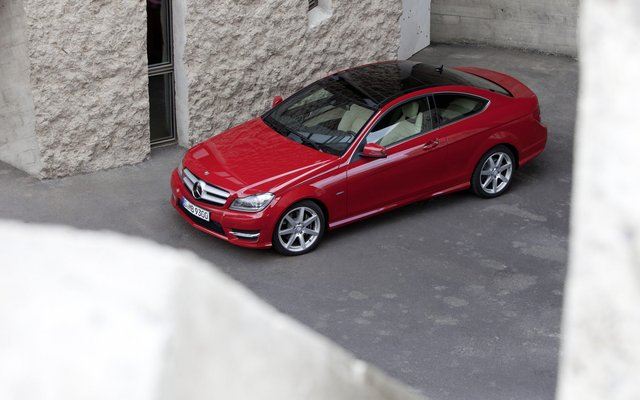 2011_C204_C-Class-Coupe_05