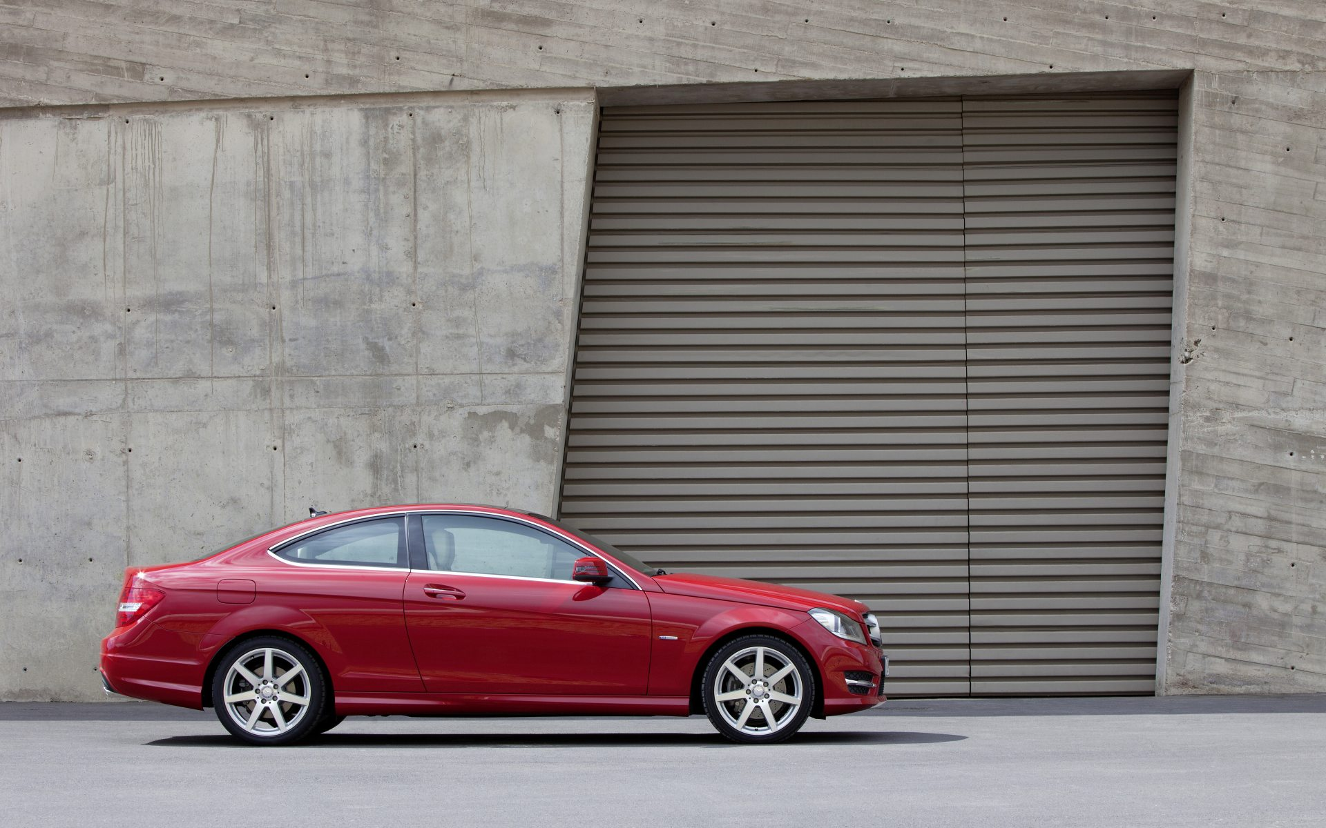 2011_C204_C-Class-Coupe_07