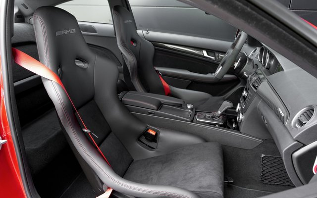 2012_c63amg-blackseries_3