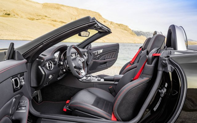 2016_amg-slc43_r172_10_interieur