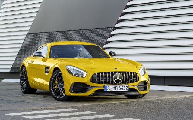 2017_amg-gt-s_3