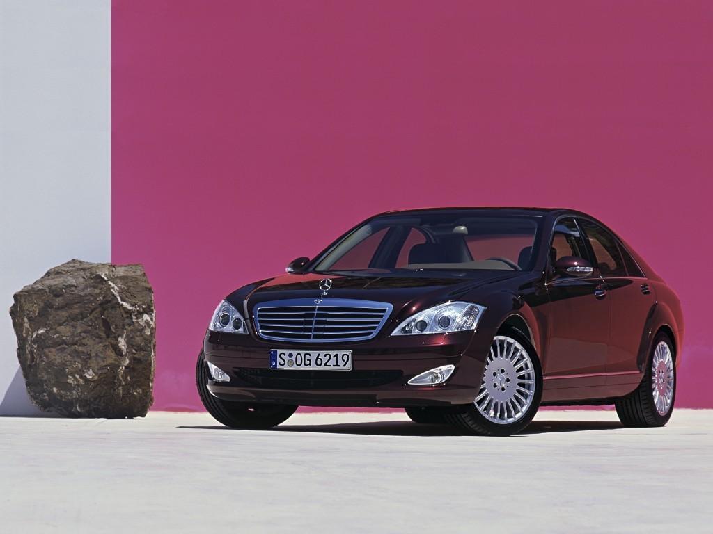 Продажа авто Mercedes-Benz.
