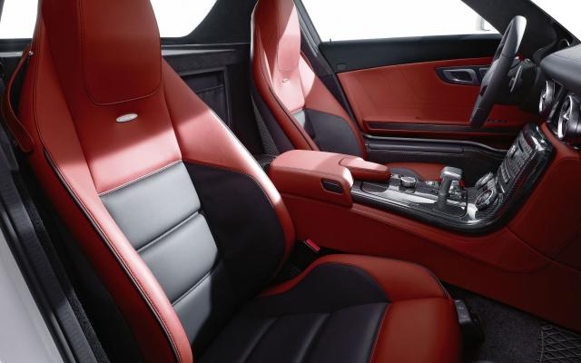 2010 SLS AMG rot Interieur 3