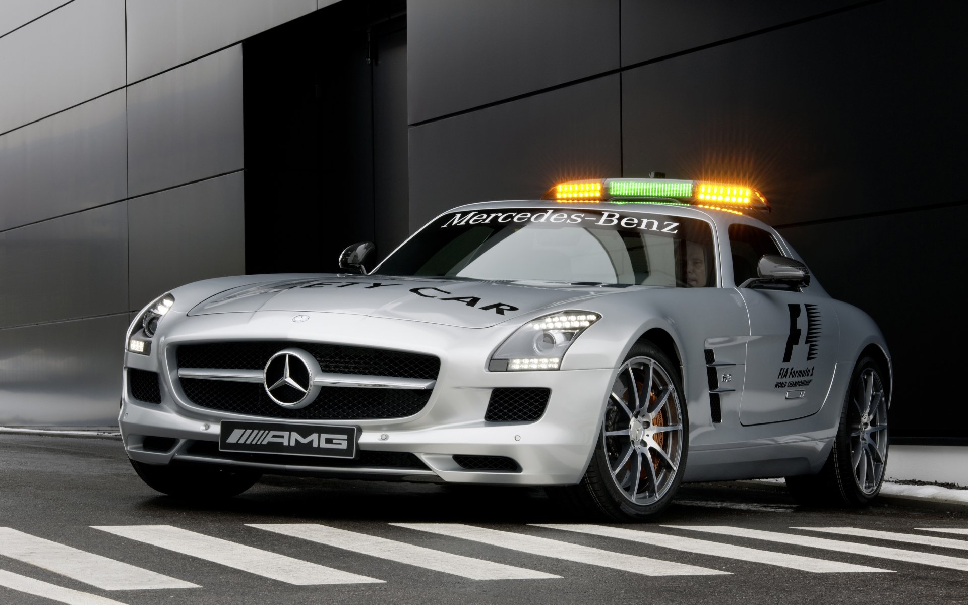2010 F1 Safety Car SLS AMG 05