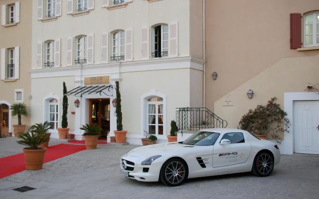 SLS-AMG-Experience-2010_livefields_01